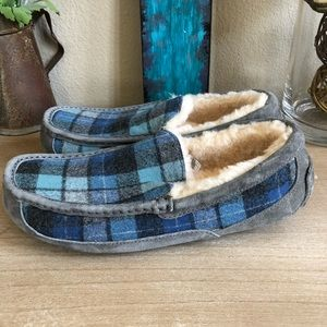 81ceaa19f1a UGG Ascot Slippers Moccasins Blue Surf Plaid
